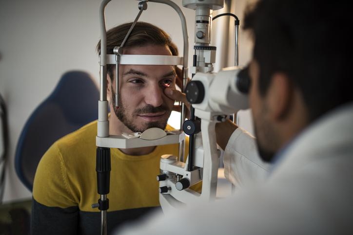 Qual o momento certo de procurar um oftalmologista?